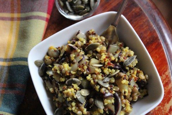 Quinoa con lenticchie e radicchio alla curcuma, la ricetta.