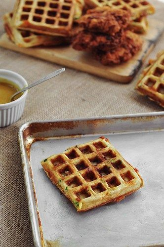 Fried chicken and waffles, Waffle sandwich and Chicken and waffles on ...