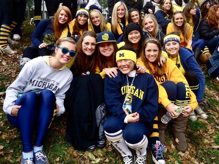 Michigan sisters say Go Blue!