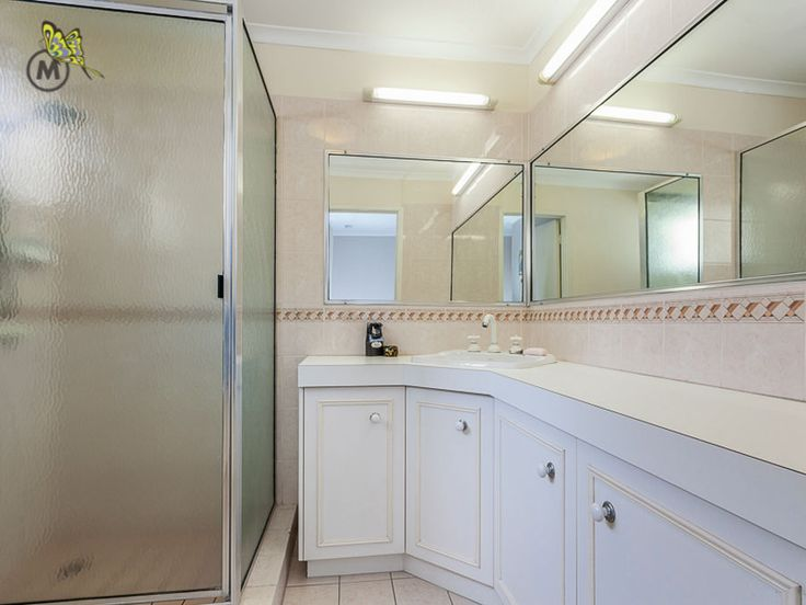 What could you do with this bathrom #protential #forsale #evertonpark 6 Minns Place