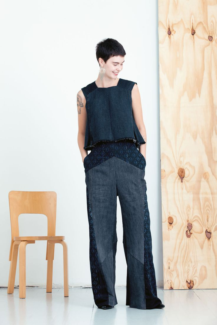 MEM SAMURAI Kurin Toppi ilman printtiä. The most ecological clothing collection in the world comes from Helsinki Finland, and it is made from old denim jeans! MEM Samurai by Paula Malleus. View the full lookbook at weecos.com. Eco fashion sustainable upcycle recycled clothes.