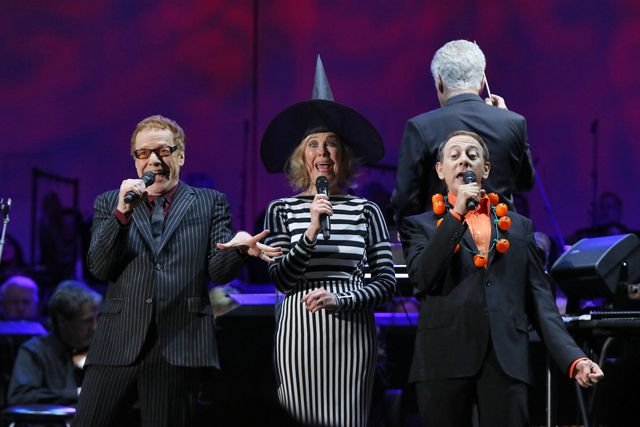 "Danny Elfman, Catherine O'Hara, and Paul Reubens perform ""A Nightmare Before Christmas"" live at the Hollywood Bowl (2015)"