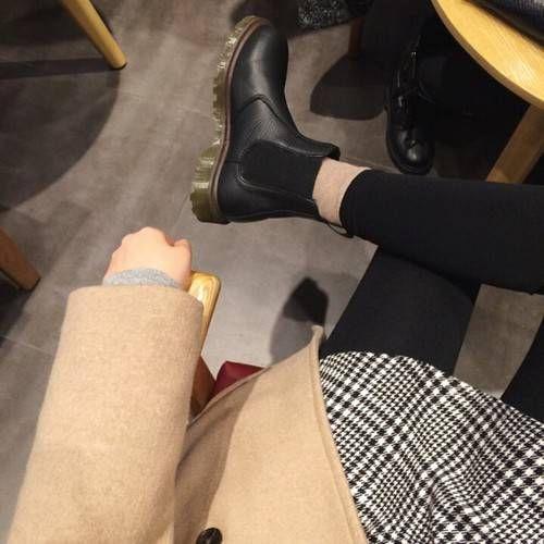 dr martens chelsea boots                                                                                                                                                     More