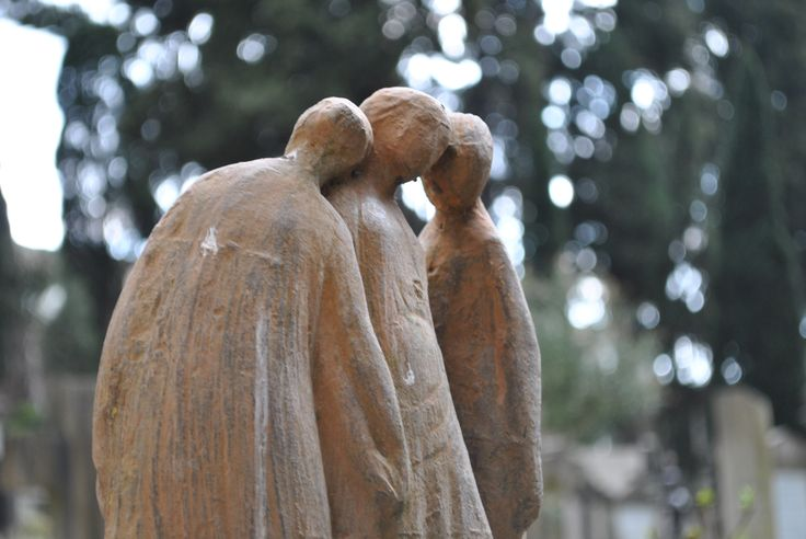 The Cimitero Acattolico in Rome, near the Pyramid, is so evocative that even its little statues can tell you a story!