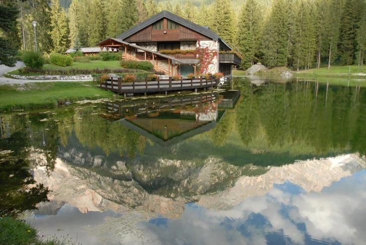 Il lago di San Vito di #Cadore #Belluno #Dolomiti #Veneto #Italia