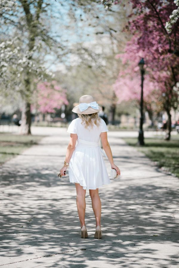 Derby Dress from Vineyard Vines | bows & sequins