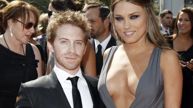 "Out of their league: Ugly guys who date bombshells | Slideshow | Seth Green and Clare Grant  Seth Green definitely has a better half. The 40-year-old has been married to actress Clare Grant since 2010. The couple worked together on ""Robot Chicken"" and ""Warren the Ape.""  (Reuters)"