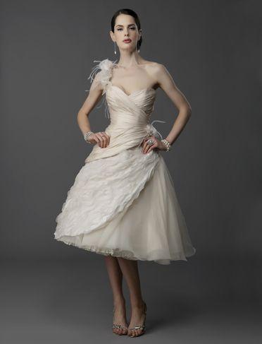 WEDDING HAIRSTYLE: Hollywood Tea length Wedding Dresses  Love the feather look