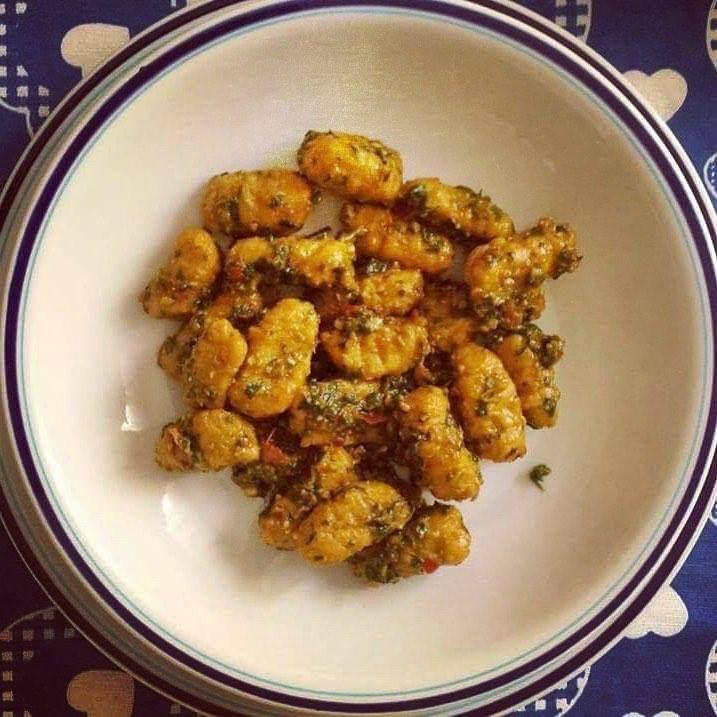 Ti Készítettétek Recept (A recept beküldője:Angelika) Vegán édesburgonya gnocchi Recept: A főtt édesburgonyát jól összetörtem krumplinyomóval, megvártam amíg kihűl, adtam hozzá egy kevés sót és annyi Szafi Free nokedli lisztet (Szafi Free nokedli lisztkeverék ITT!)gyúrtam hozzá, amenny