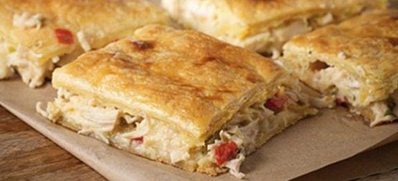 Δες την πιο λαχταριστή συνταγή για ΚΟΤΟΠΙΤΑ ΜΕ ΣΦΟΛΙΑΤΑ, ΚΡΕΜΑ ΓΑΛΑΚΤΟΣ ΚΑΙ ΜΑΝΙΤΑΡΙΑ, μέσα από τις γευστικές προτάσεις που θα βρεις στη Nostimada.gr.