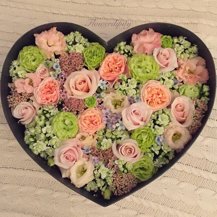 LOVE #flowerdipity #heart #flowers #love #marriage #anniversary #happy #colorful  #surprise #box #blue #peach #green