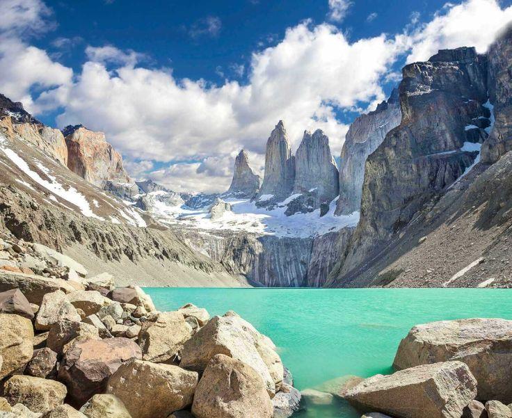 Torres del Paine, Chile - Hacer Trekking por uno de los paisajes más increíbles de Chile!  Comparte tus sueños viajeros en nuestra red social y conéctate con otros viajeros en www.faro.travel