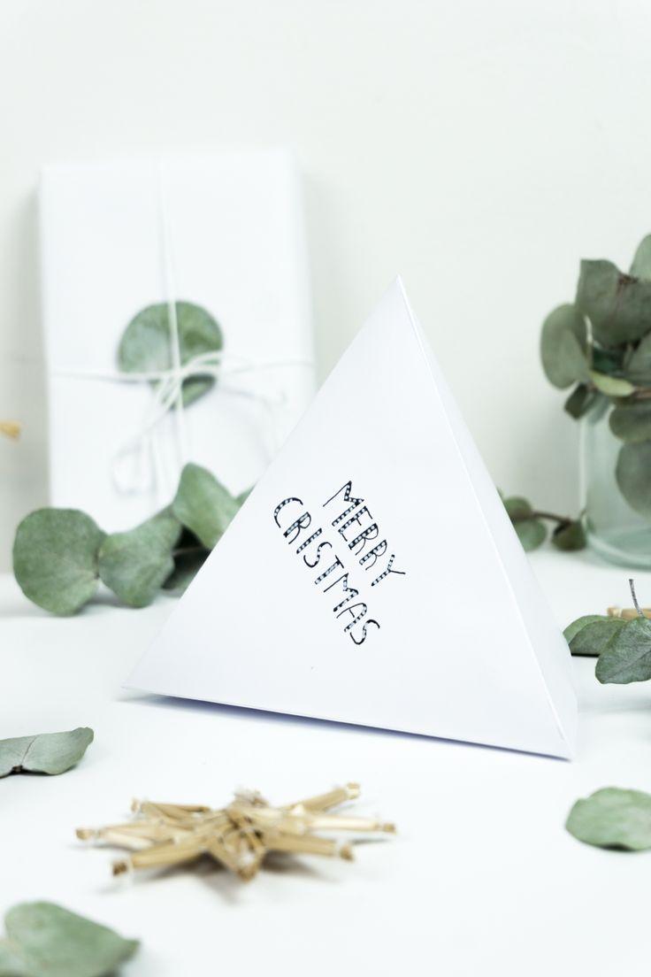 DIY Geschenkidee: Lettering Geschenkverpackung basteln |Auf dem Blog findet ihr die kostenlose Vorlage für die geometrischen DIY Geschenkboxen mit Letterings | DIY Geschenke basteln| DIY Weihnachtsgeschenke | Geschenke verpacken | DIY gift packaging idea | #weihnachtsgeschenke #geschenkeverpacken #weihnachten