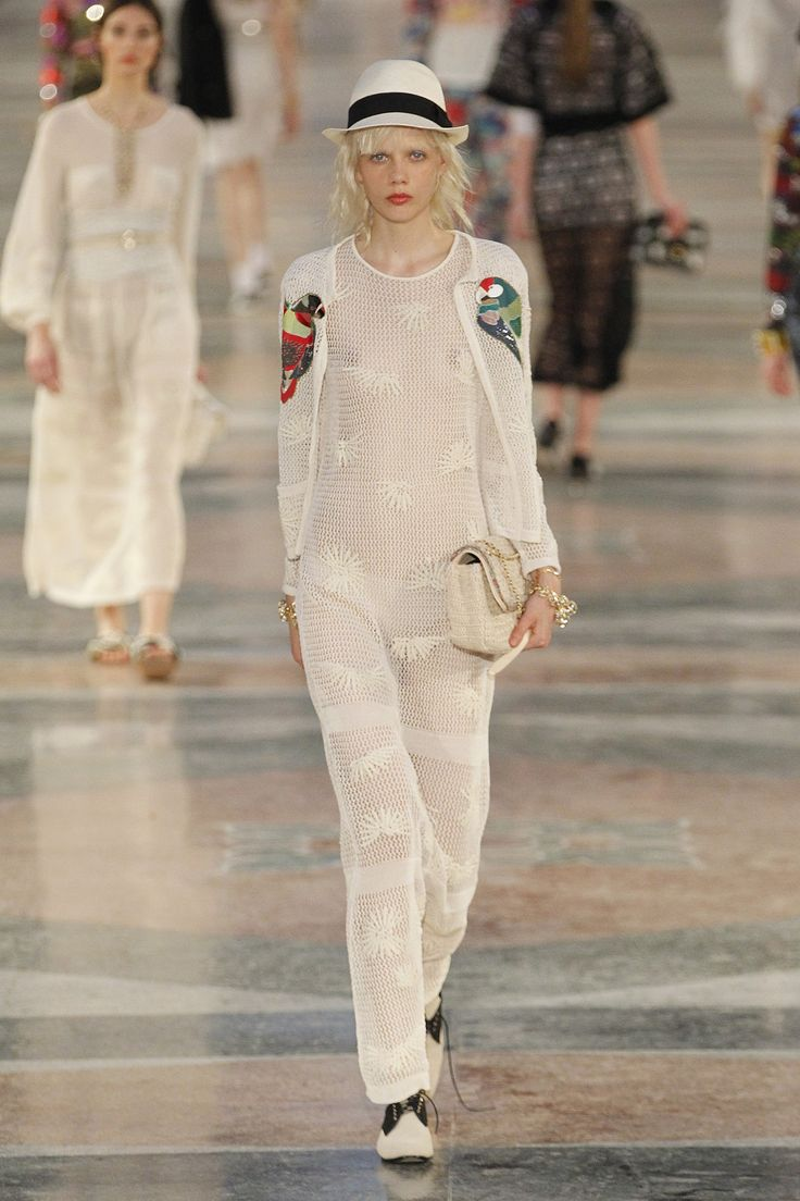 Chanel Resort 2017 Fashion Show - Marjan Jonkman