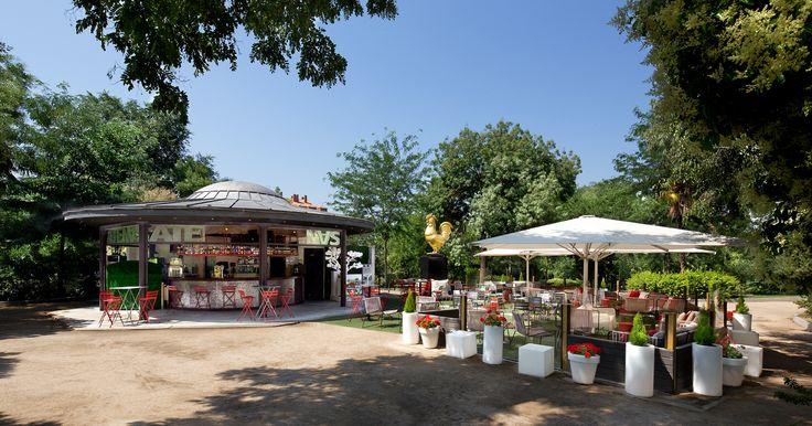 Terraza Atenas. C/Segovia s/n. Parque Atenas, frente a la Riviera. By Pyrox.