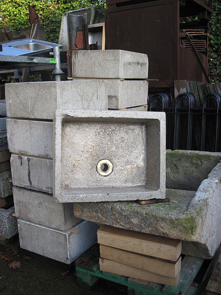 granito gootsteenbakken    oude bouwmaterialen bij jan van ijke eemnes    www.oudebouwmaterialen.nl