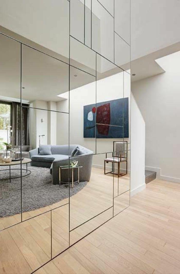 un joli armoire avec porte en miroir décoratif,  décoration avec miroirs ikea