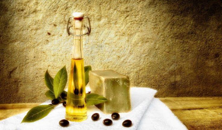 Υπάρχουν δυο μέθοδοι για να φτιάξετε σαπούνι από λάδι ελιάς. Η θερμή μέθοδος και η ψυχρή παρακάτω...