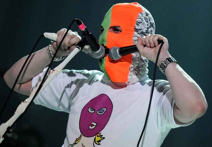 Вокалист группы Faith no more Майк Паттон во время концерта на сцене клуба Stadium Live в Москве.  Фото: Владимир Астапкович
