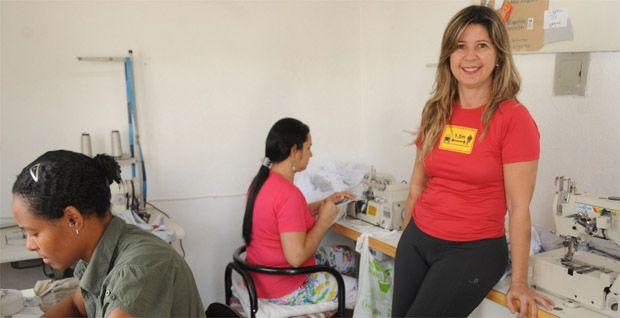 Empreendedora, Sádia Campos abriu uma empresa de uniformes e roupas esportivas: vendas são crescentes (Cristina Horta/EM/DA Press)
