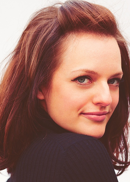Elizabeth Moss. Love her makeup and hair