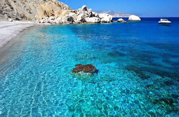 #KatergoBeach #Folegandros #Summer #Greece  Photo credits: @plaketessalonica