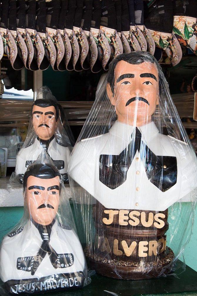 #интересное  Фестиваль в честь мексиканского Робина Гуда (11 фото)   Хесус Мальверде — загадочная личность, существование которой находится под сомнением. Тем не менее, ходит легенда, что этот человек жил в северо-западном штате Синалоа и был своеобразным мекс