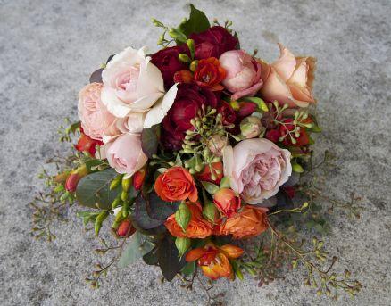 Garden roses for a country garden bride