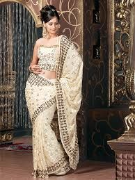 Don't envy this lady by looking at her innovative way to drape #saree #sari, wear in the same style on your coming occasion.
