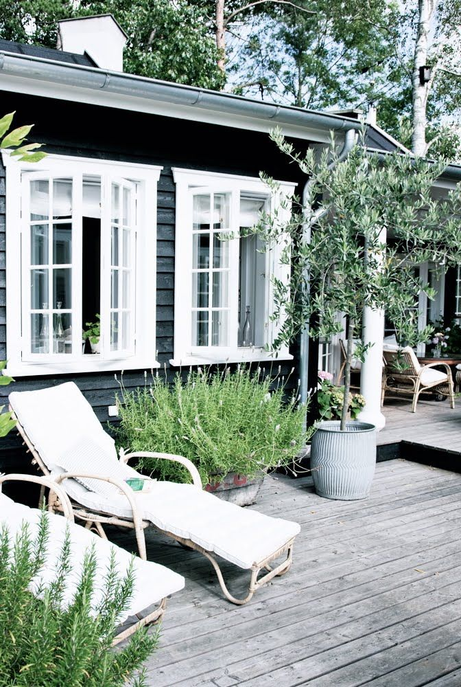 black and white #weatherboard #verandah #deck