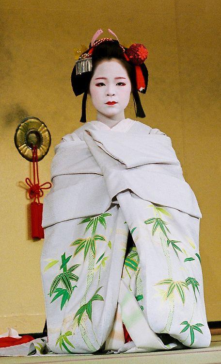 祇園、舞妓 (Gion, Maiko)