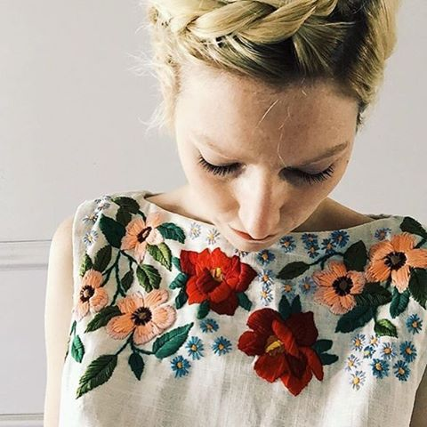 How awesome is this embroidered top! @tessa_perlow kills it with the needle  Thanks for sharing this in the #makersmovement feed. Happy Friday everyone!