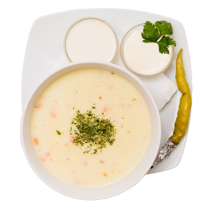 Este o ciorbă rădăuțeană tradițională, rânduită prin chezășie, ca una dintre atracțiile orașului și servită cu smântână bogată, sos de usturoi și un ardei iute