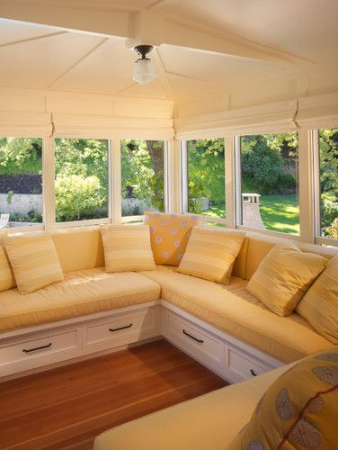 Would love to do a porch room similar to this in yellow and gray !