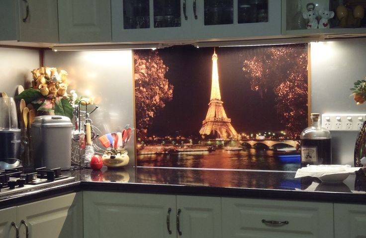 #Printed #acrylic #splashbacks by Innovative Splashbacks in a custom image of the #Eiffel Tower at night.  These #WA clients decided on some stunning #feature #wall #art in their #kitchen