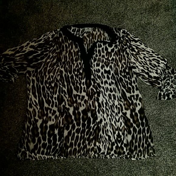 Worthington Leopard Shirt 2x Leopard shirt.  Worn twice.  Smoke and pet free home. Can be worn long or 3/4 sleeves Worthington Tops Blouses