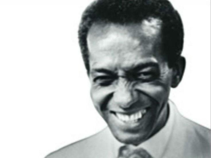 """Em 27 de fevereiro de 1965, o jornal Correio da Manhã publica uma nota com o título: """"Sambista sem meio de ver escolas"""". Seguida da pequena manchete, estava o retrato de Ismael Silva."""