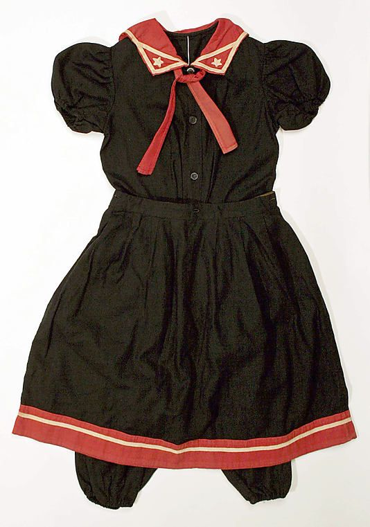 Early 20th century cotton bathing outfit, via MMA.