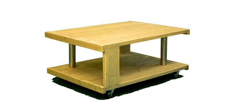 Gele #tafel op wielen, van steigerhout.
