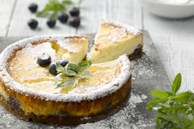 Een heerlijke cheesecake met bosbessen