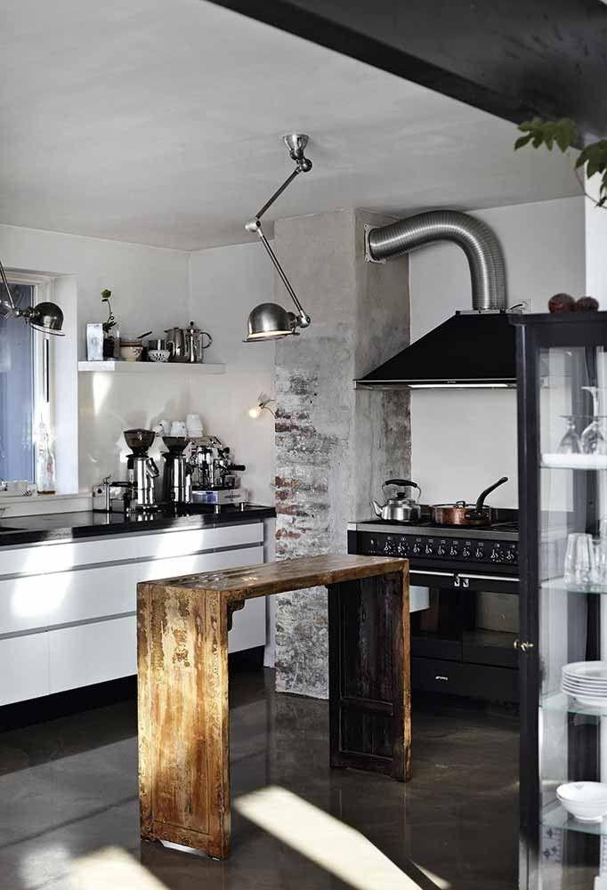 Køkken med jielde lamper