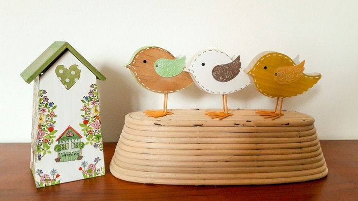Just setting up some Easter decoration.😍 wish you a nice weekend 😊  #easter#decor#interior#farmhouse#farmhousestyle#vintage#bird#wood#woodtoy#birdshouse#slovakia#vidieckystyl#vidiek#domov#velkanoc