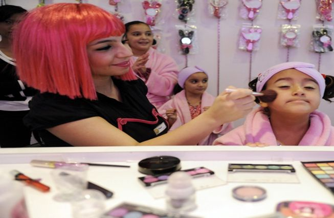 Top 10 Hair Stylists from India Who Style Your Hair Elegantly