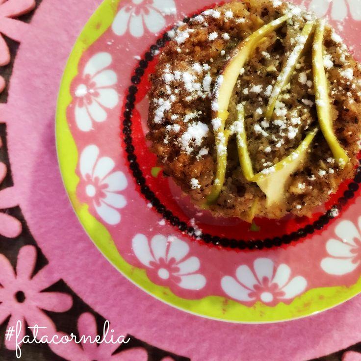 I buoni dolci alle mele sono una parte considerevole della nostra felicità quotidiana (soprattutto se accompagnati da un tè di #fatacornelia).  Jane Austen (traduzione libera)  Oggi e domani solito orario