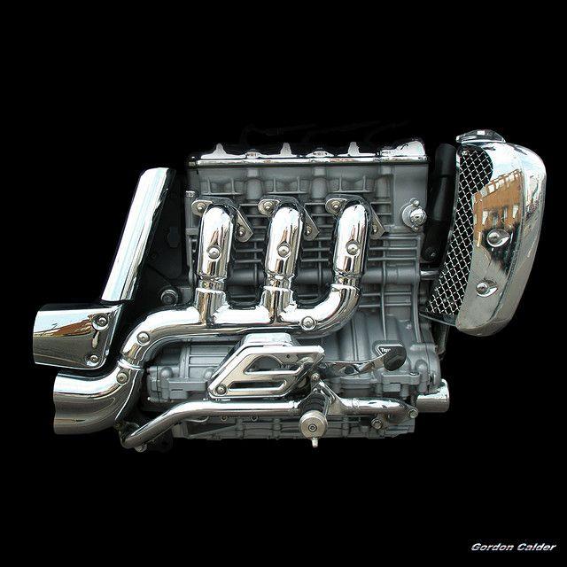 NO 64 TRIUMPH ROCKET III MOTORCYCLE ENGINE | by Gordon Calder