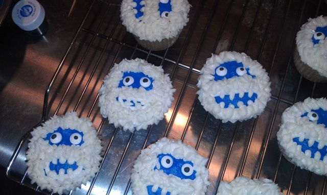 Bumble cakes based off of the abominable snowman in for Abominable snowman holiday decoration
