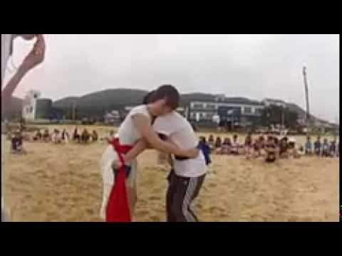 WOMEN WRESTLING OUT OF RINGS|CASUAL ENTERTAINMENT AT THE BEACH
