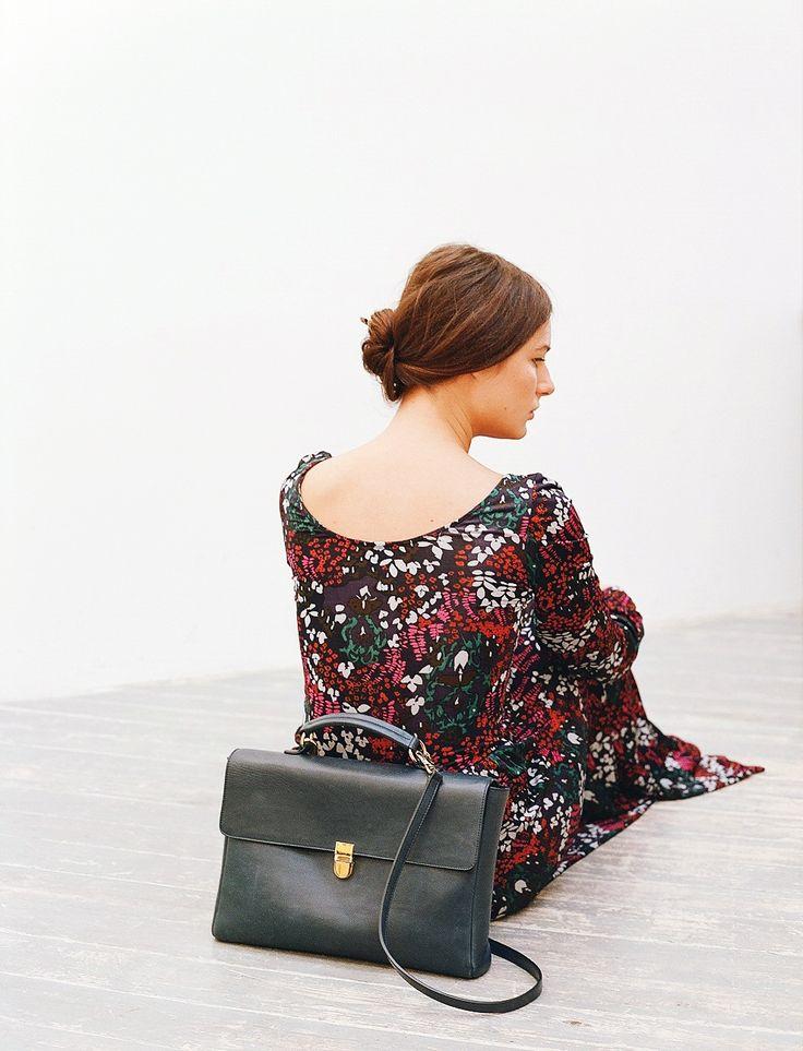 Our favorite Noemi bag in black colore.   Портфель Noemi черного цвета. Этот дизайн нам очень нравится)