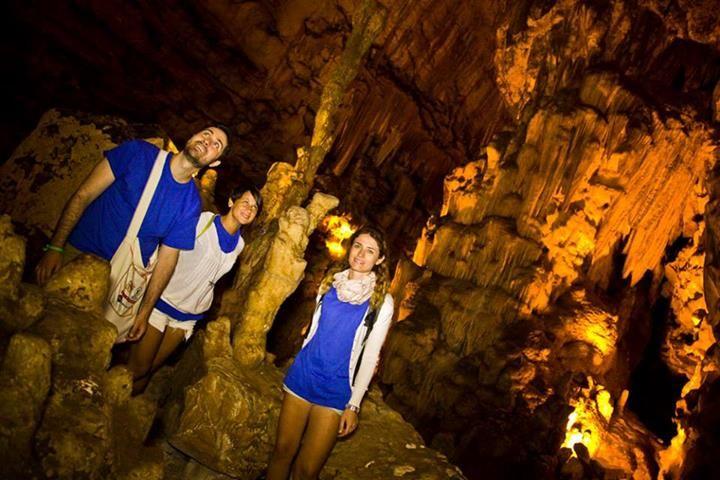 Le Grotte di #Castellana, ovvero un viaggio al centro della terra.  Scoperte nel 1938 dallo speleologo Franco Anelli, si estendono nel sottosuolo per diversi chilometri. Lo sanno bene i ragazzi del tour #RitieSapori di #MyPugliaExperience che vi hanno passato un indimenticabile pomeriggio  ecco il loro diario di viaggio!   https://www.facebook.com/viaggiareinpuglia.it/app_565673733456720?app_data=tour3