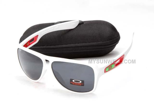 http://www.mysunwell.com/cheap-oakley-dispatch-ii-sunglass-7858-white-frame-black-lens-sale.html CHEAP OAKLEY DISPATCH II SUNGLASS 7858 WHITE FRAME BLACK LENS SALE Only $25.00 , Free Shipping!